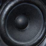 Systemy audio w samochodach