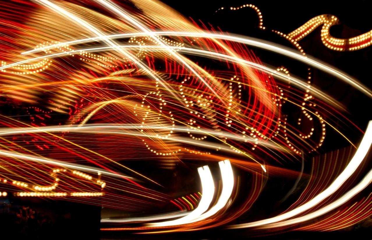 Jazda na torze i po bezdrożach, czyli jak dobrze spędzić czas za kierownicą